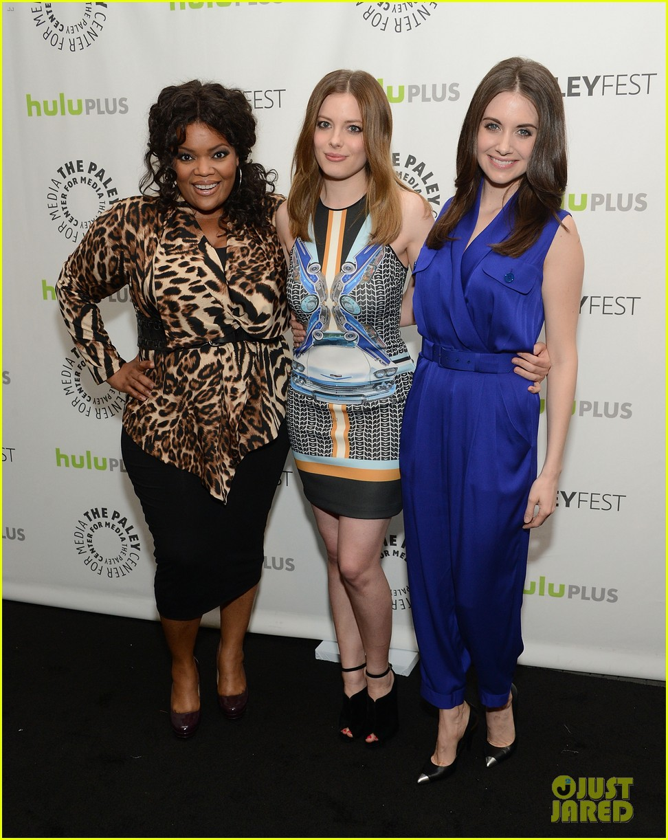 joel mchale alison brie paleyfest with community cast 09