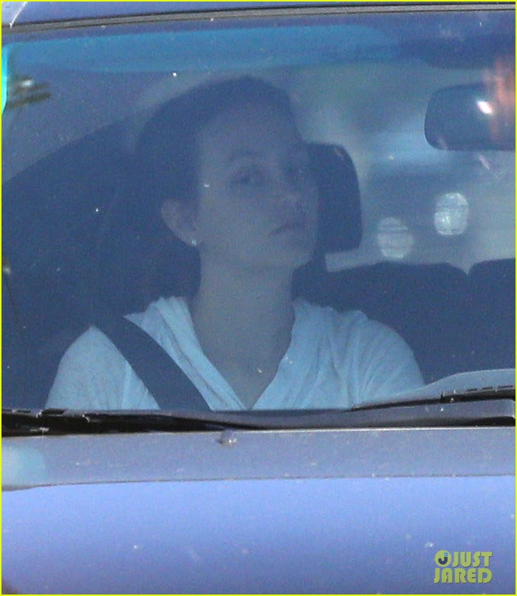 leighton meester adam brody early morning drive 07