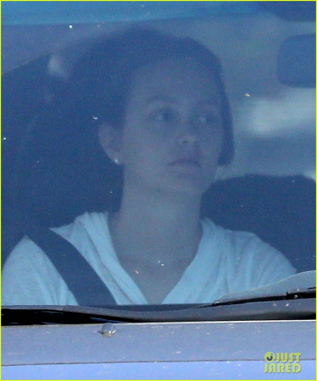 leighton meester adam brody early morning drive 09