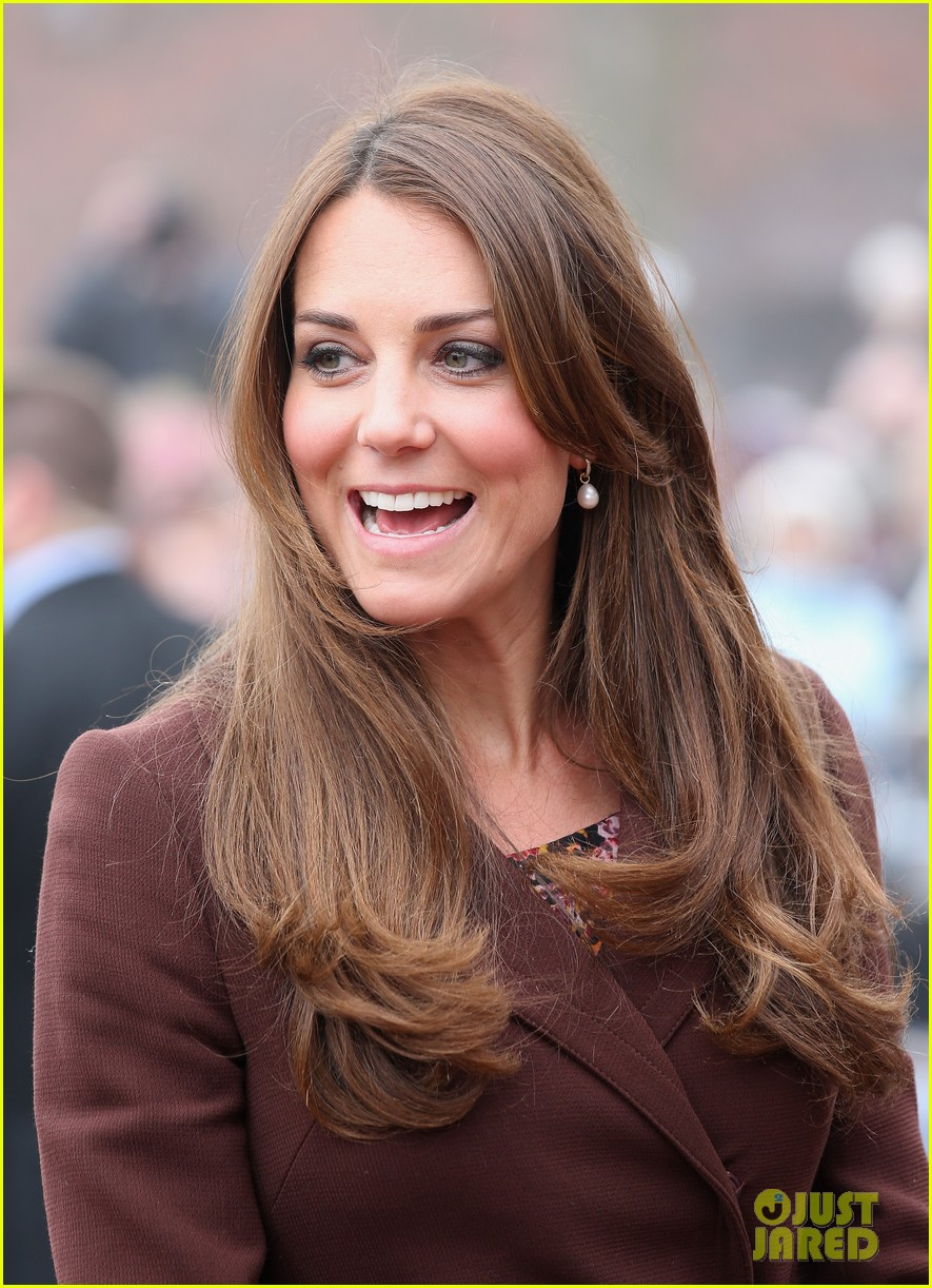 kate middleton pregnant national fishing heritage center visit 02