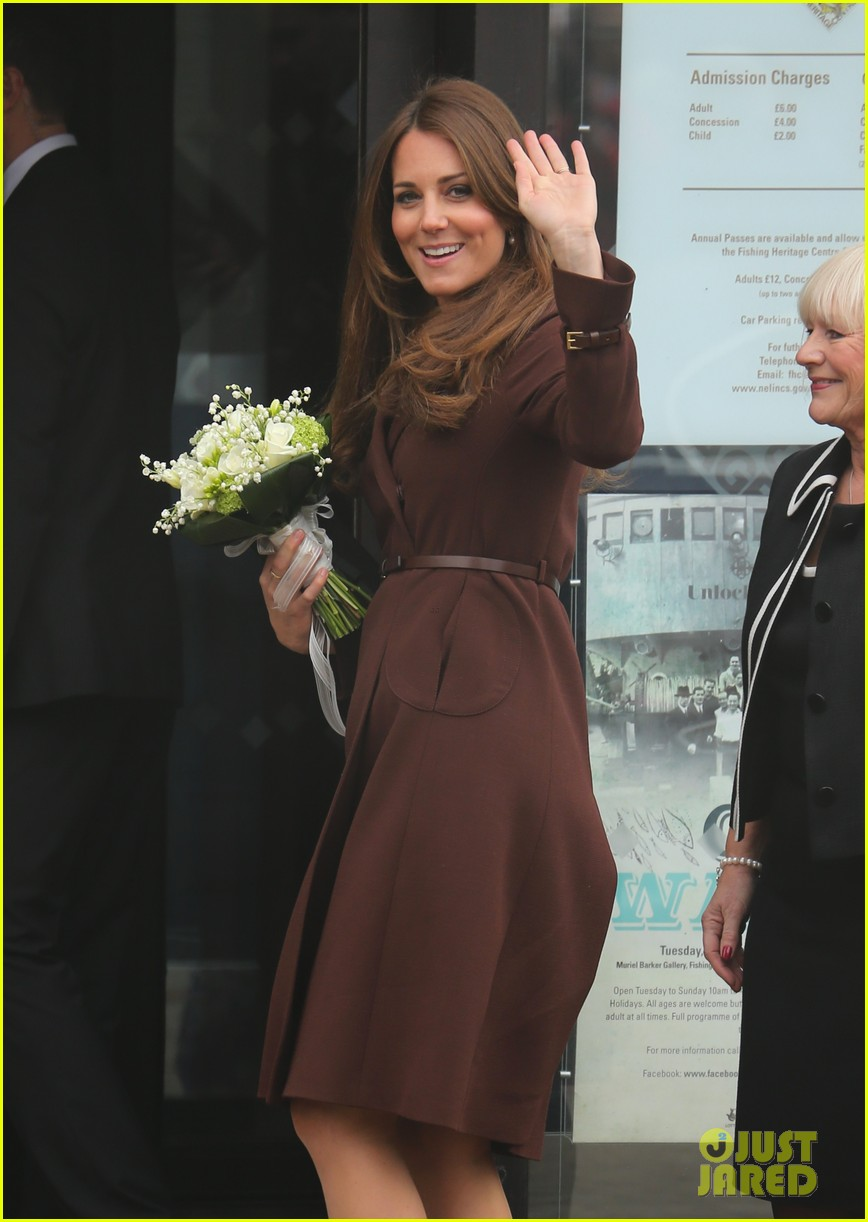 kate middleton pregnant national fishing heritage center visit 12