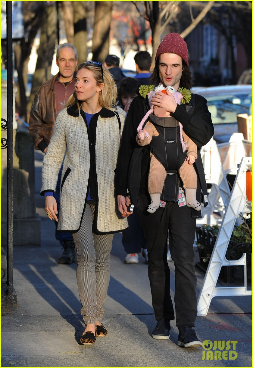 sienna miller tom sturridge west village walk with marlowe 012828347