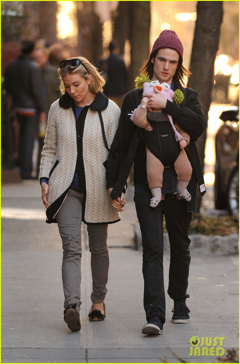 sienna miller tom sturridge west village walk with marlowe 062828352