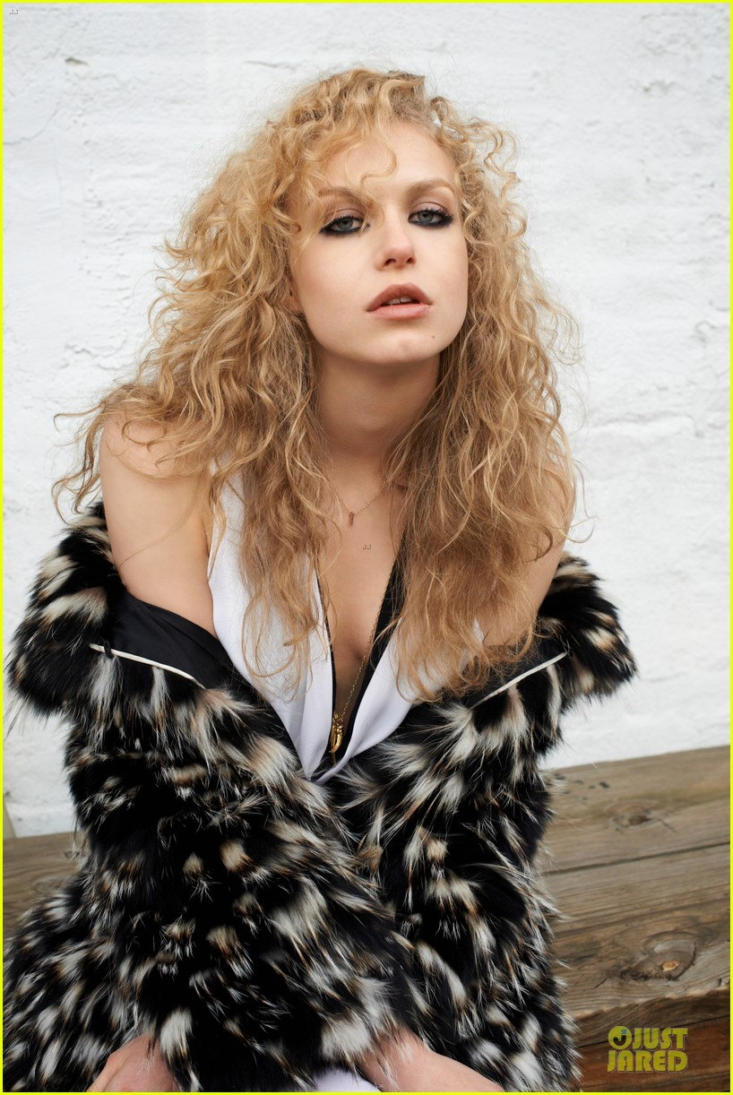 penelope mitchell hemlock grove exclusive interview 03