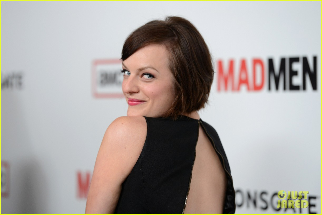 elisabeth moss christina hendricks mad men premiere 122834783