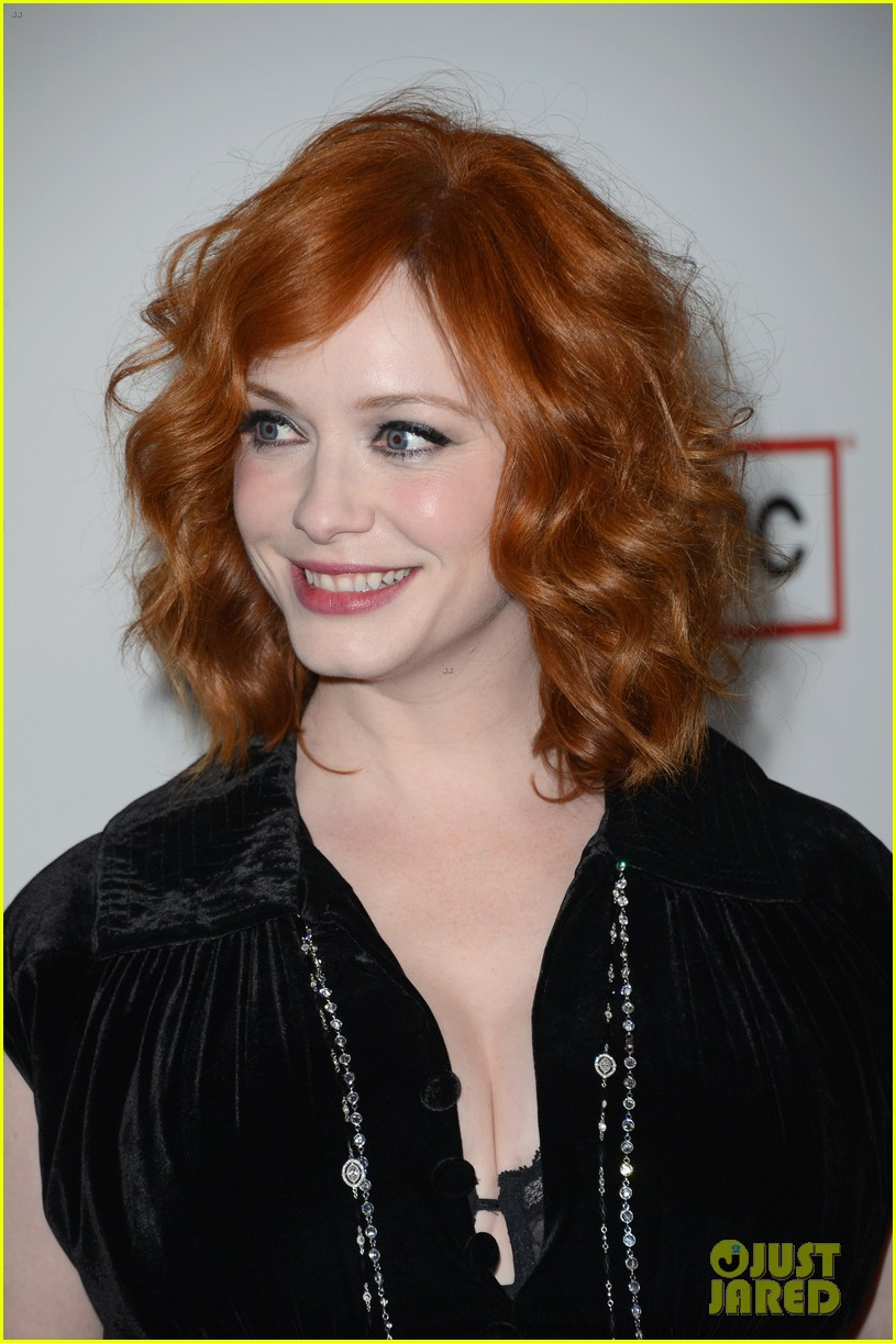elisabeth moss christina hendricks mad men premiere 17