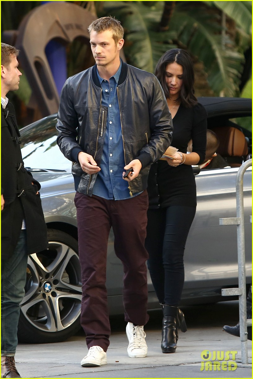 olivia munn joel kinnaman lakers lovebirds 06