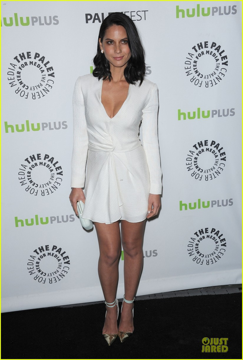olivia munn dev patel paleyfest with newsroom cast 14