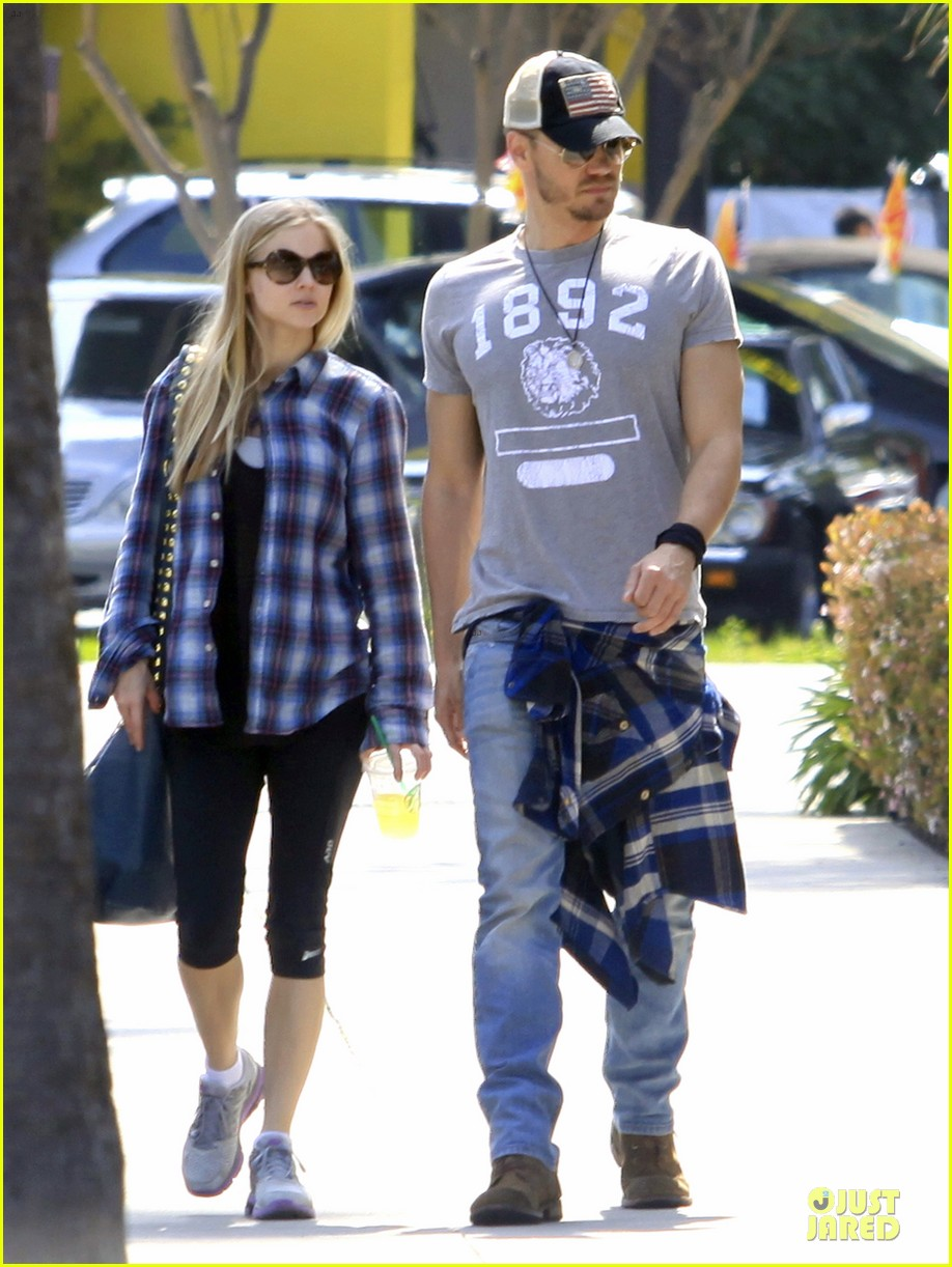 chad michael murray kenzie dalton plaid matching couple 08