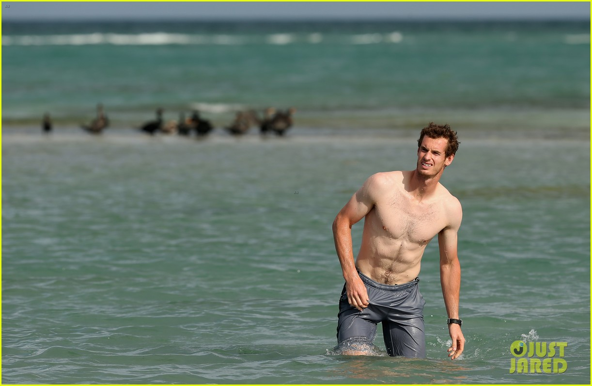 andy murray shirtless victory swim after sony open win 24
