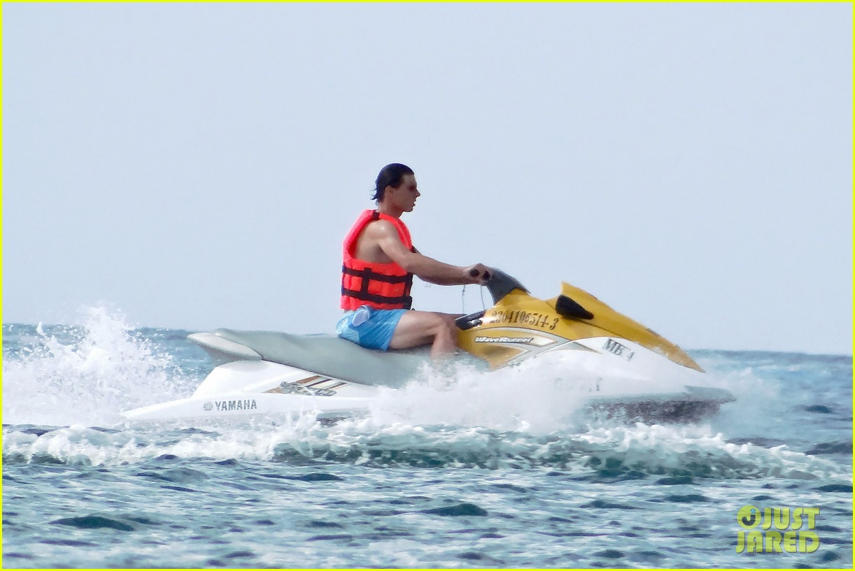 rafael nadal shirtless beach vacation with maria perrello 162826124