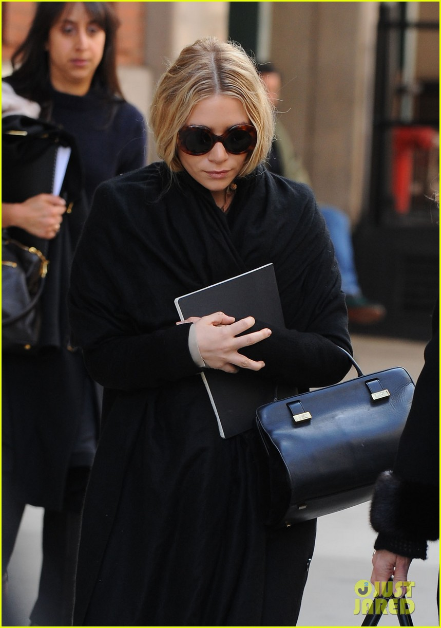 mary kate ashley olsen cfda awards nominations 2013 08