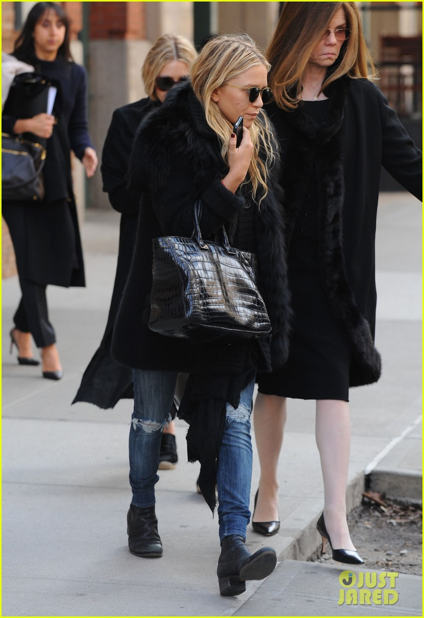 mary kate ashley olsen cfda awards nominations 2013 112830392