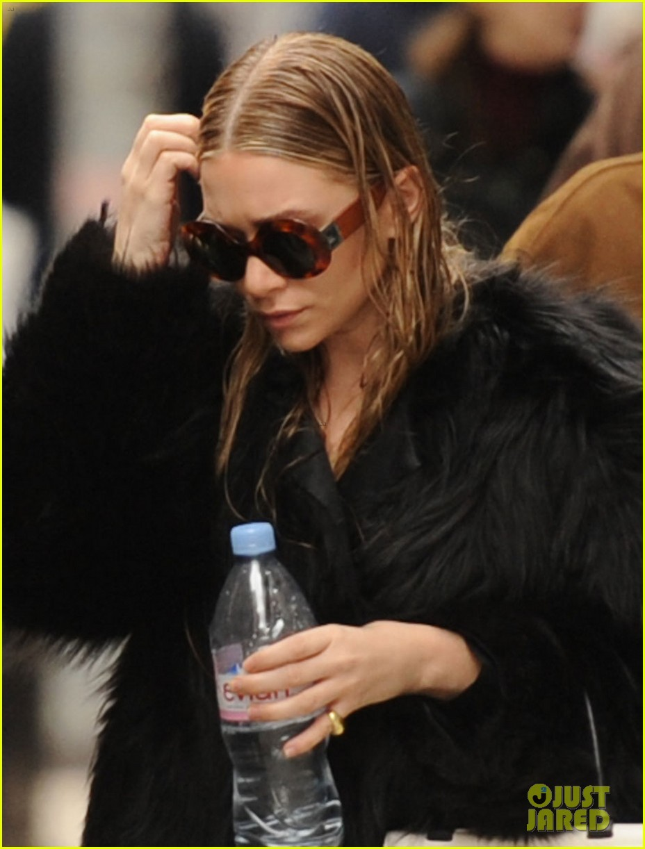 ashley olsen wet hair in the big apple 02