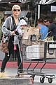 elsa pataky india mommy daughter errands 17