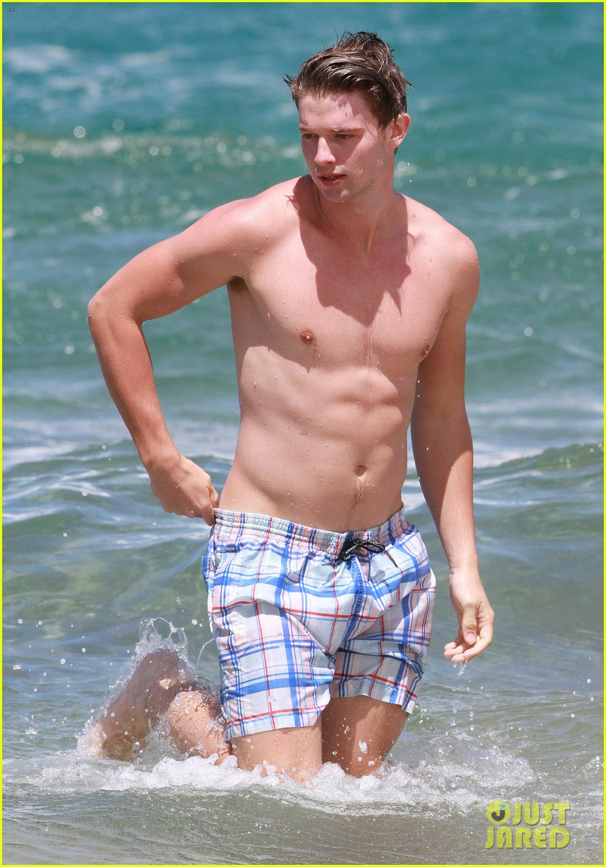 shirtless patrick schwarzenegger kissing taylor burns 332839397