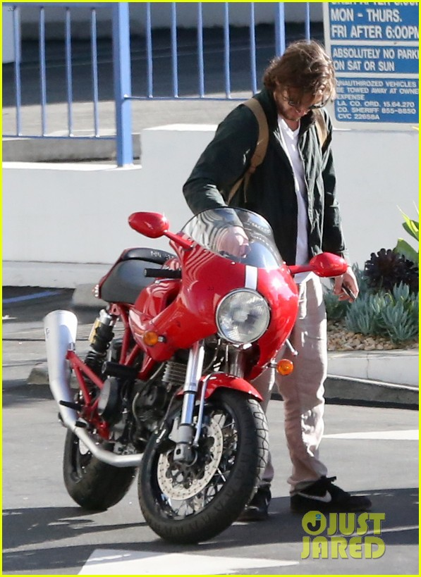 alex pettyfer connor cruise motorcycle buddies 08