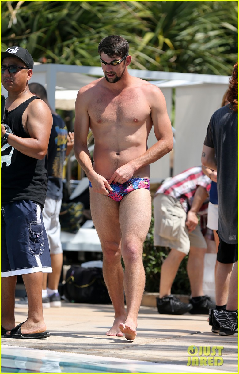 michael phelps shirtless speedo poolside afternoon 012834563