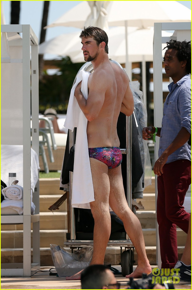 michael phelps shirtless speedo poolside afternoon 172834579