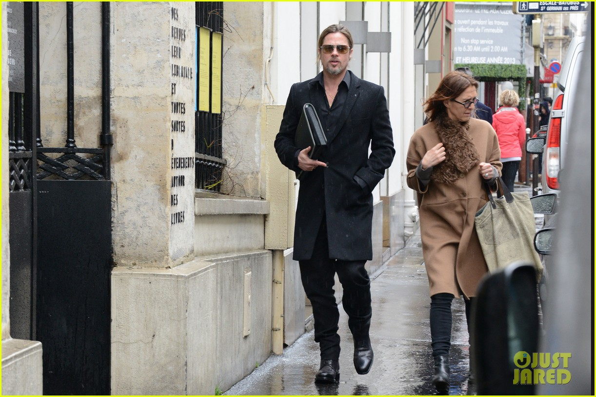 brad pitt furniture shopping in paris 08