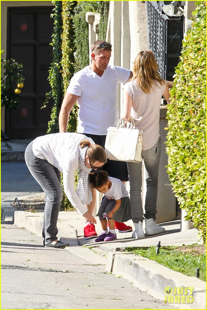 ellen pompeo visits old house in hollywood 03