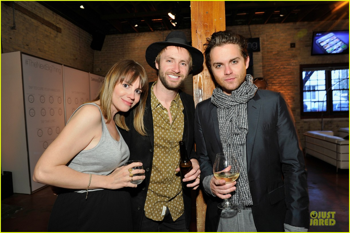 nikki reed thomas dekker snap dinner at sxsw 05