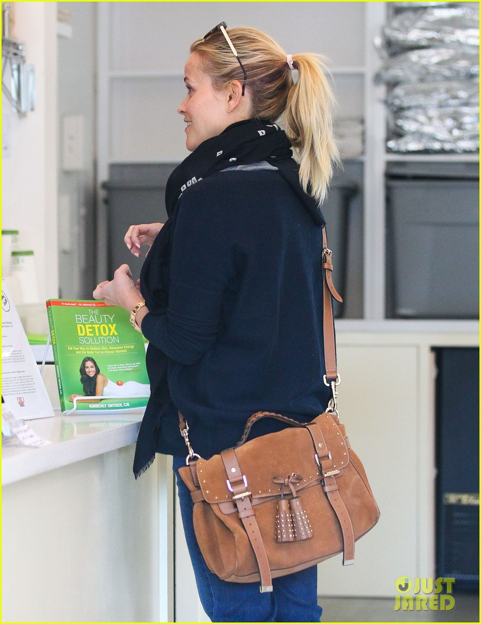 reese witherspoon sunday shopping spree 04