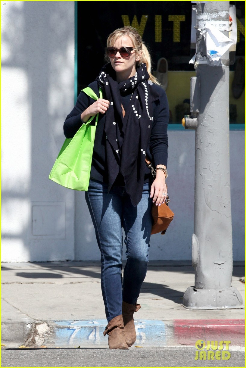 reese witherspoon sunday shopping spree 21