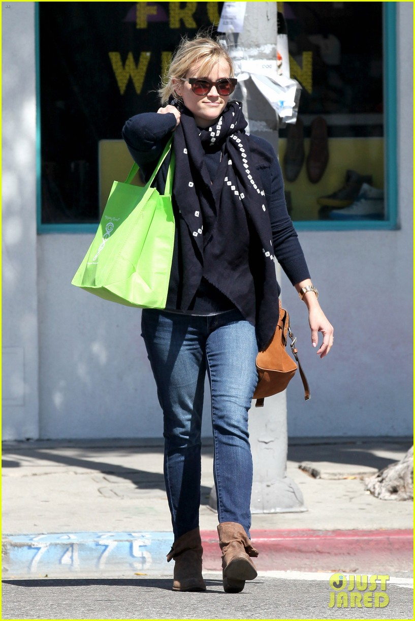 reese witherspoon sunday shopping spree 27