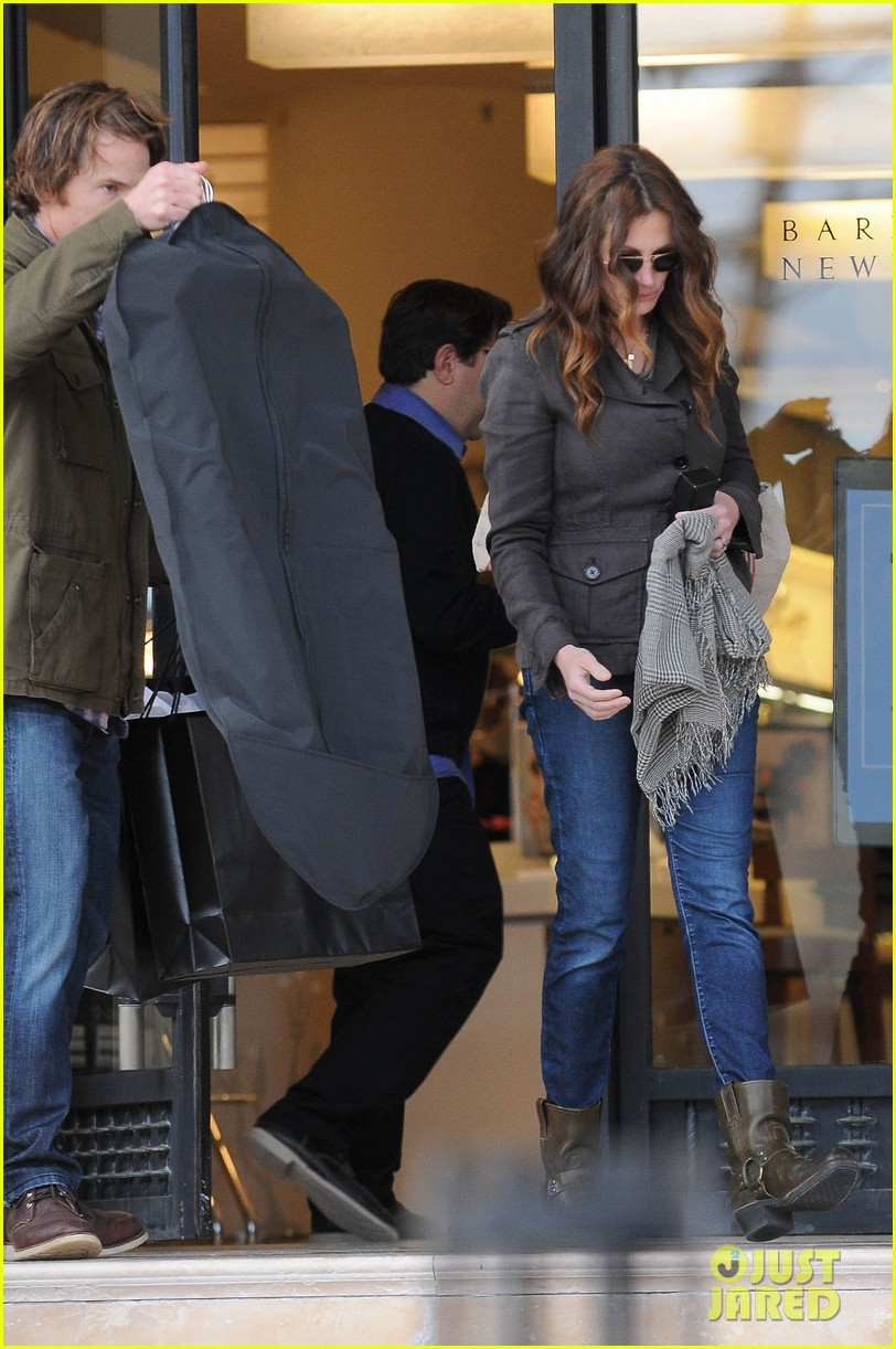 julia roberts barneys new york shopper 03
