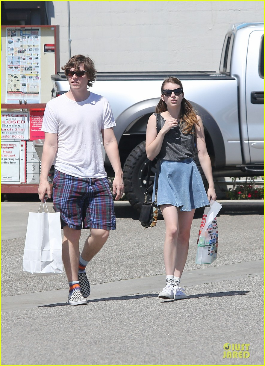 emma roberts evan peters samys camera couple 21