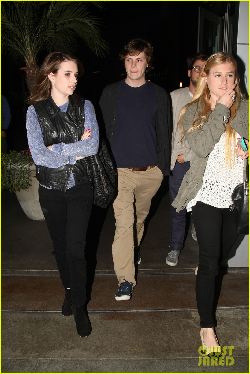 emma roberts evan peters movie date night 03