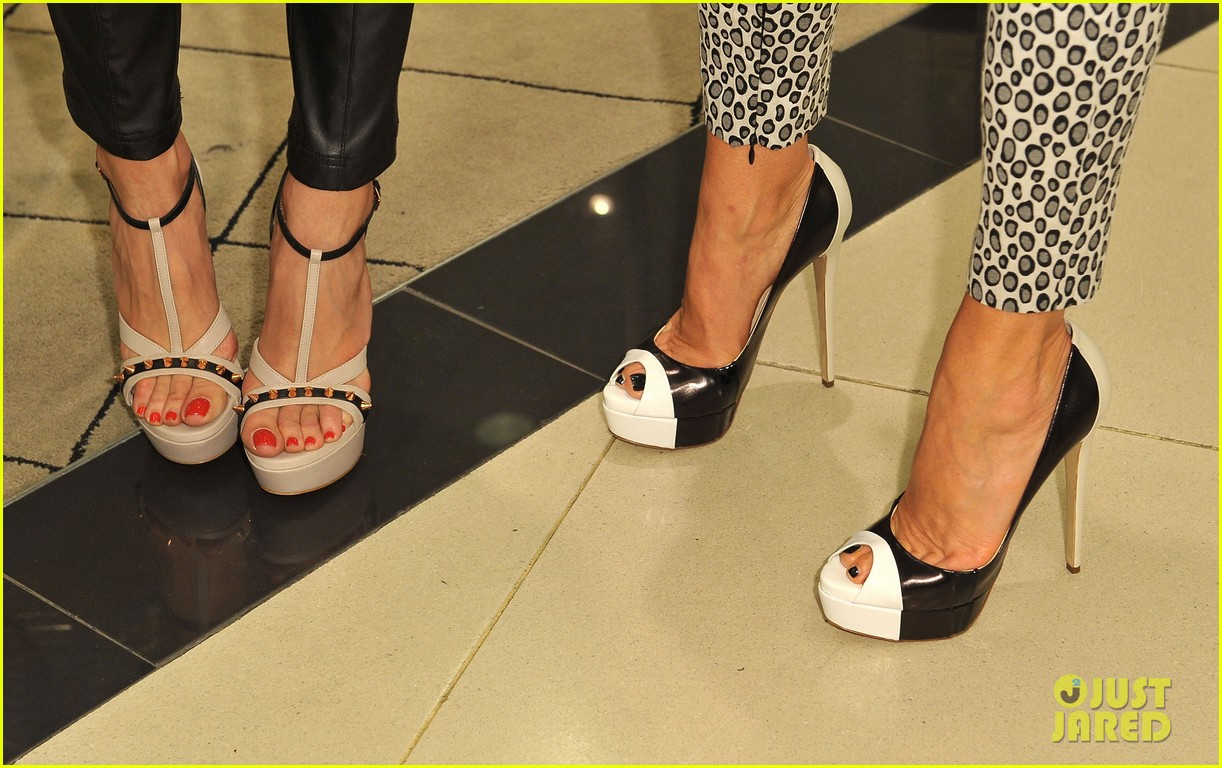 louise roe ruthie davis collection launch 082837491