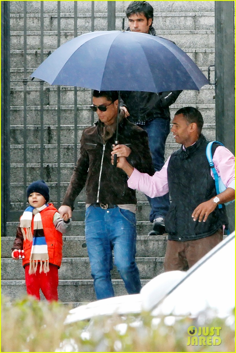 cristiano ronaldo rainy madrid day with cristiano jr 07