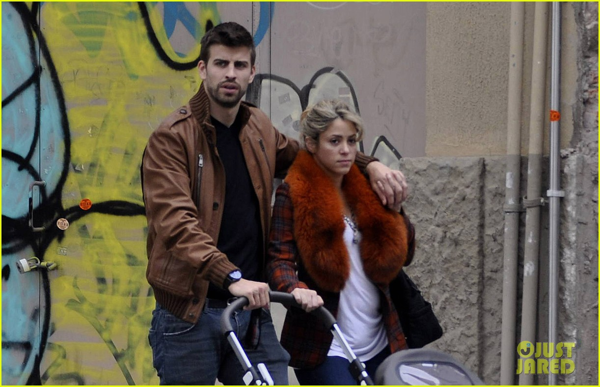 shakira gerard pique family picture with baby milan 022830492