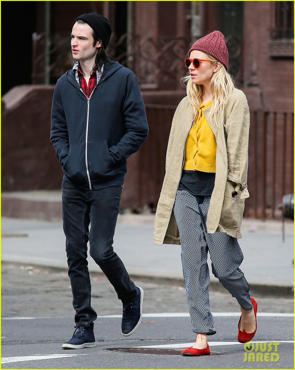 sienna miller tom sturridge hold hands in nyc 142840306