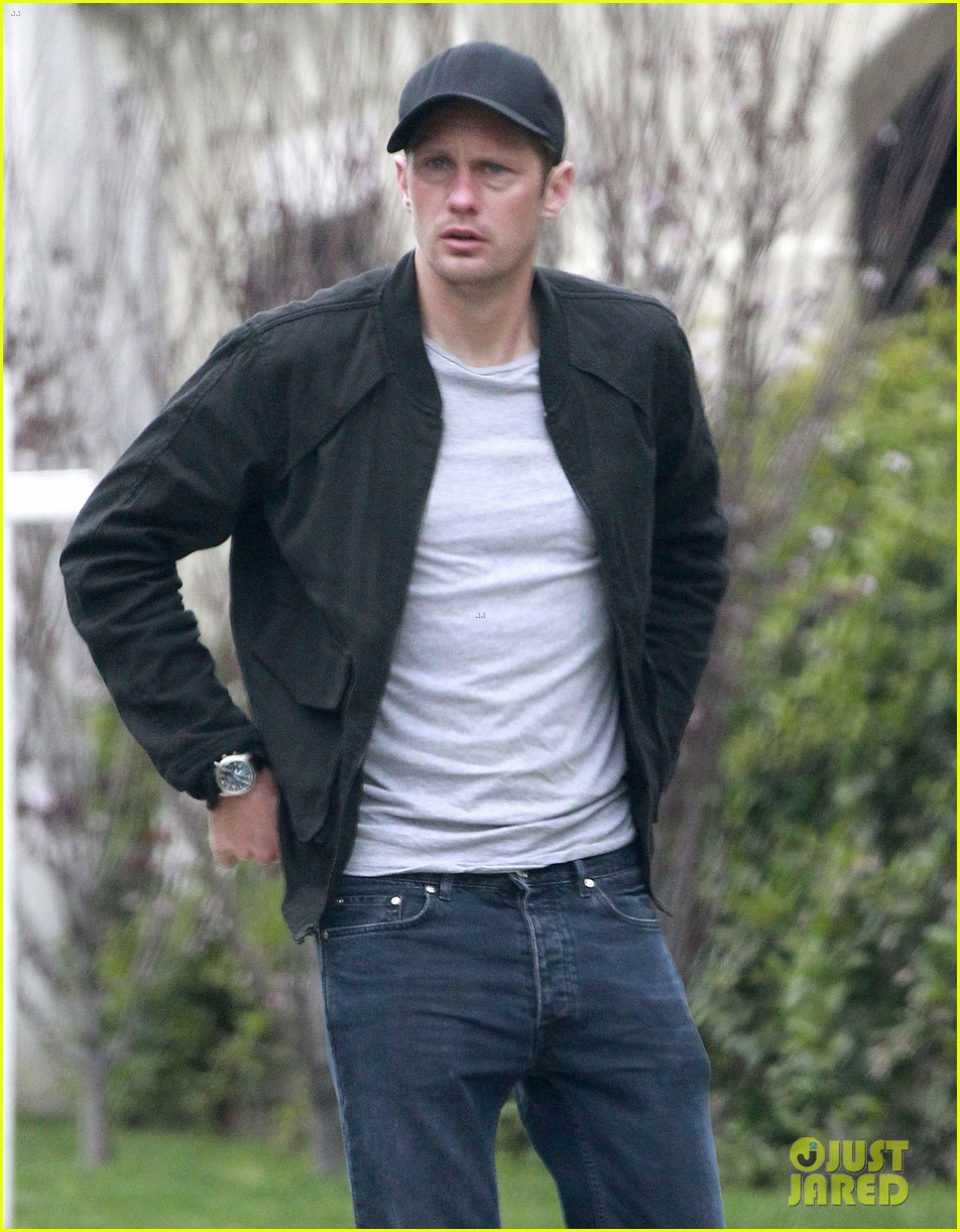 alexander skarsgard bruised eye in los angeles 12