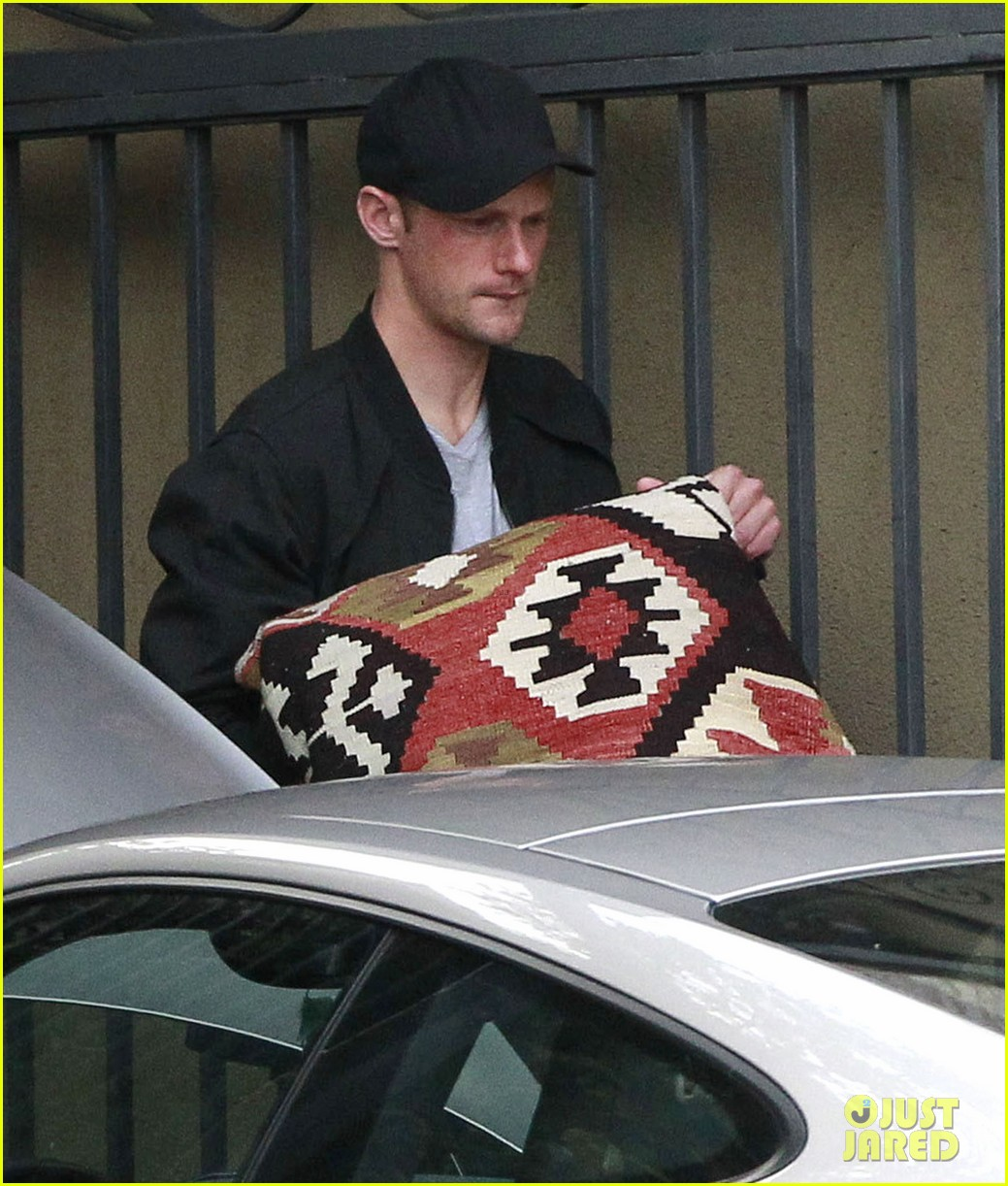 alexander skarsgard bruised eye in los angeles 24