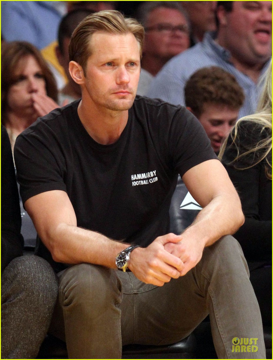 alexander skarsgard lakers game spectator 02
