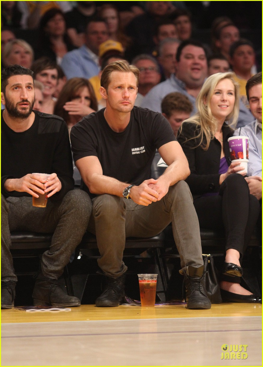 alexander skarsgard lakers game spectator 05