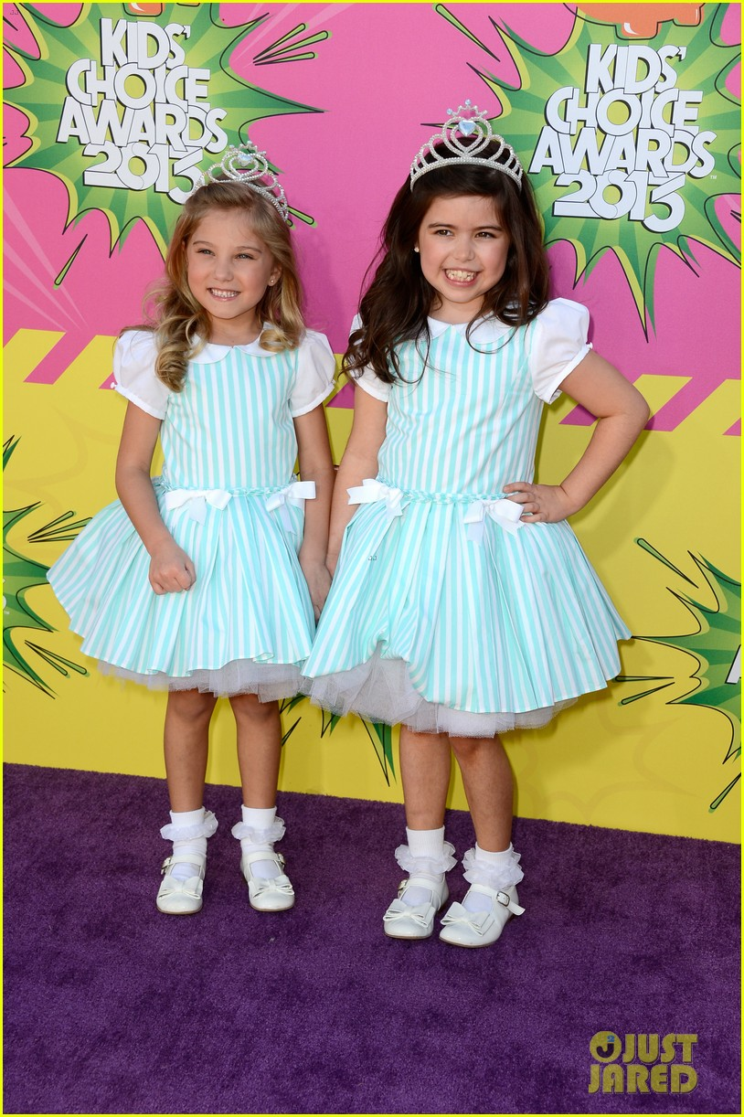 sophia grace rosie kids choice awards 2013 red carpet 05