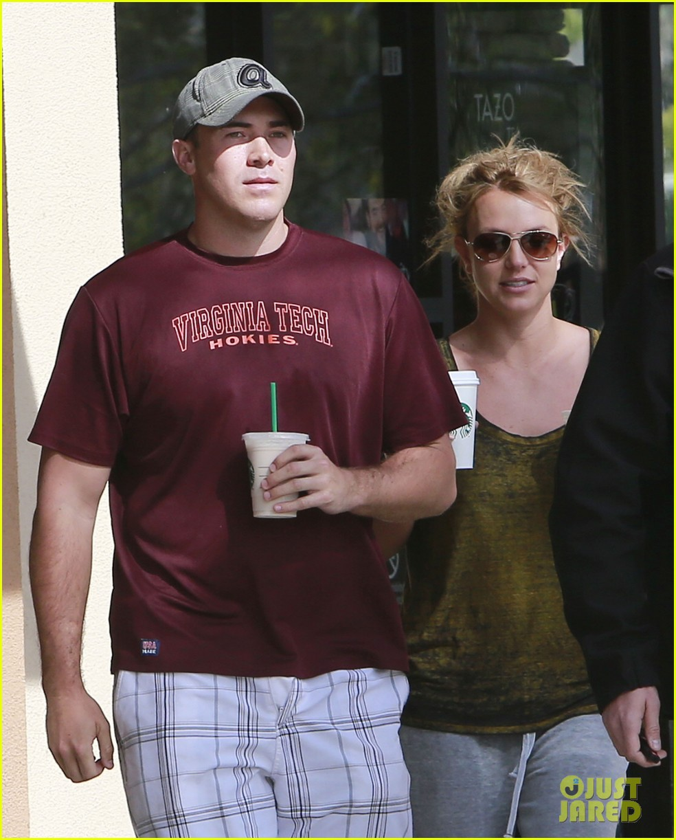 britney spears david lucado starbucks stop 022833527