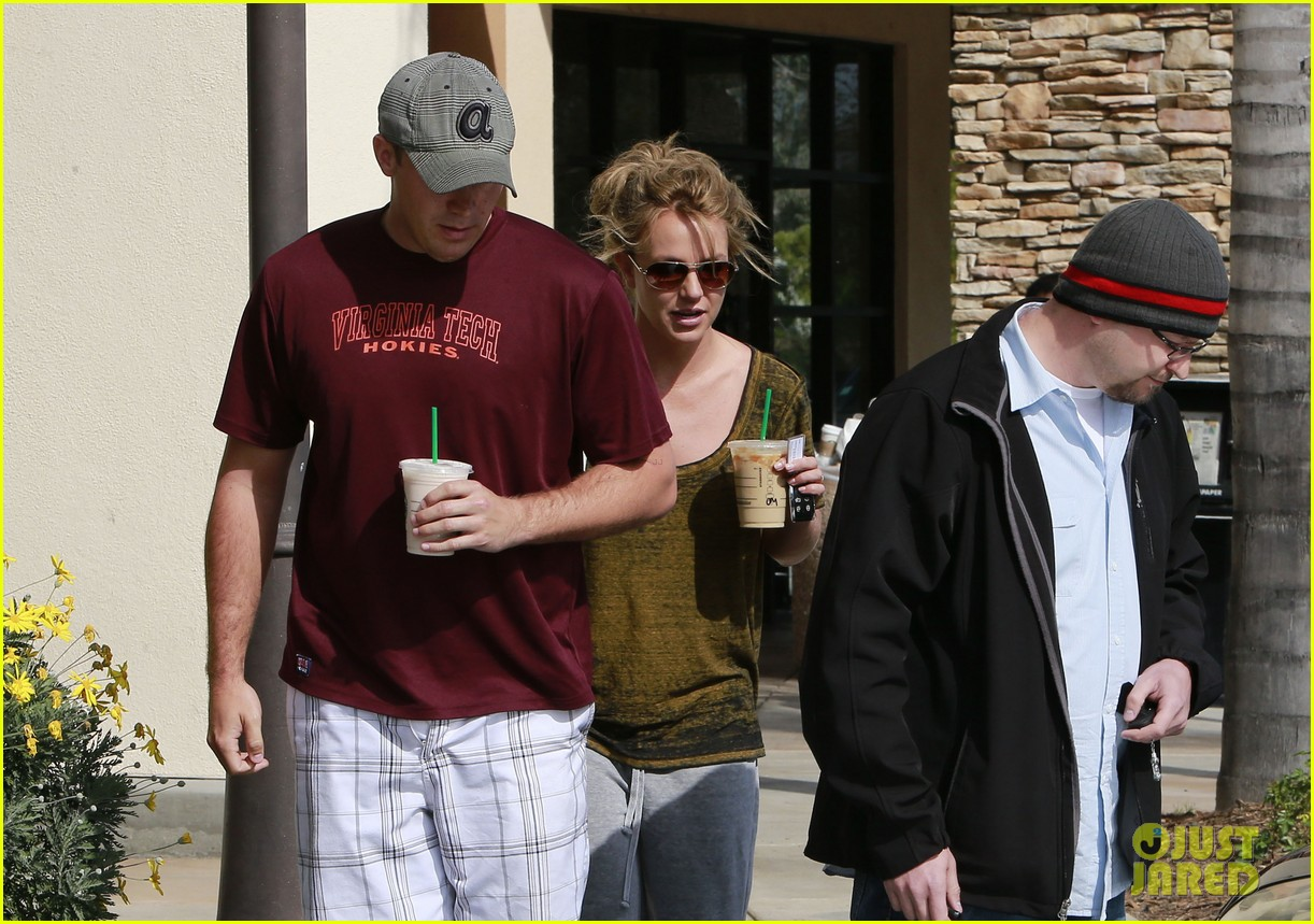 britney spears david lucado starbucks stop 06