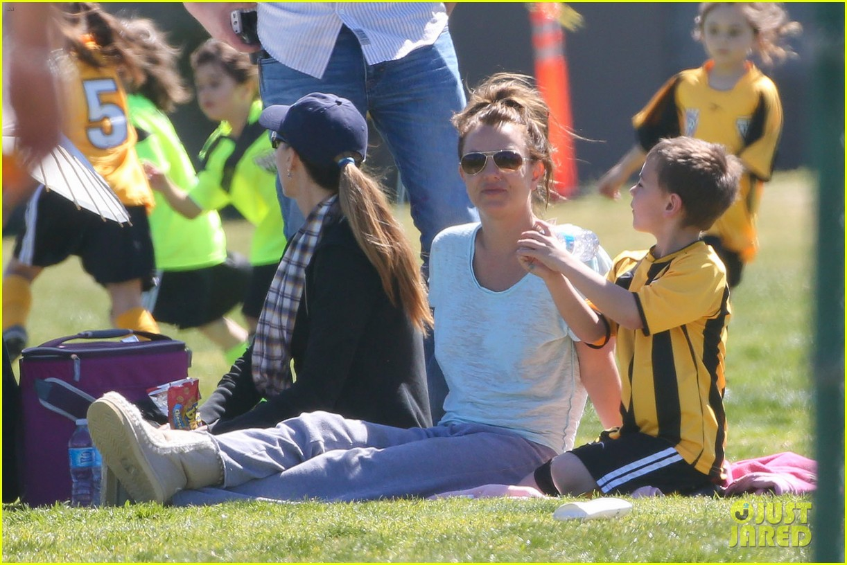 britney spears sunday soccer mom 10