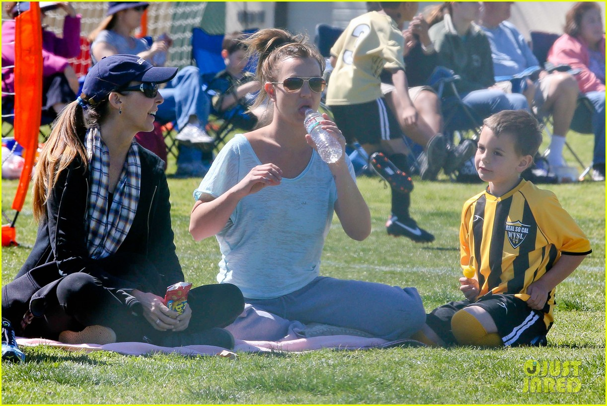 britney spears sunday soccer mom 21