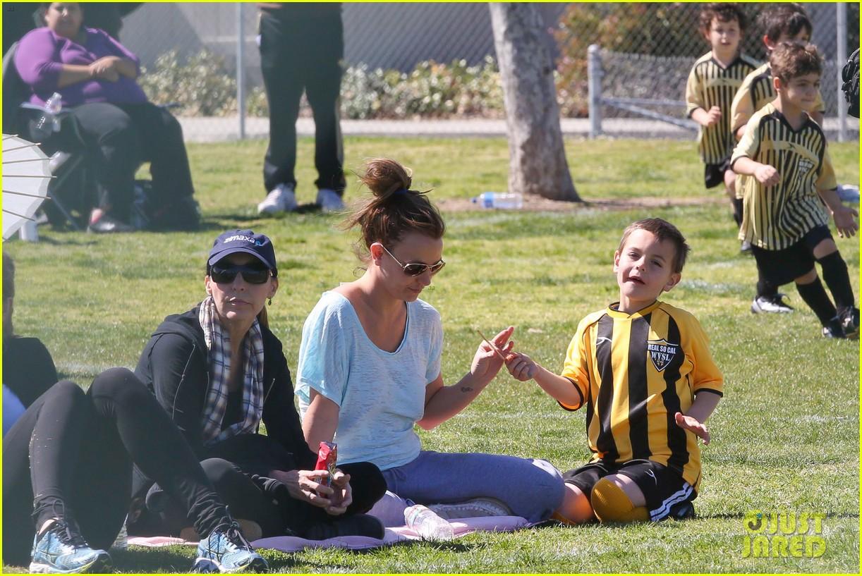 britney spears sunday soccer mom 26