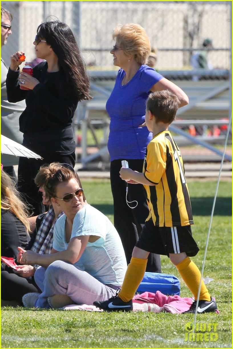 britney spears sunday soccer mom 35