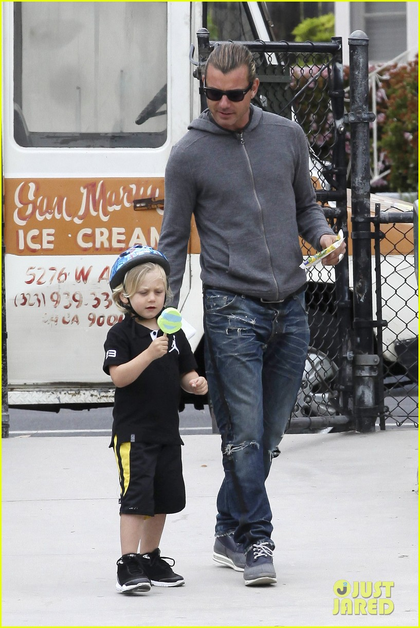 gwen stefani gavin rossdale park day with the boys 01