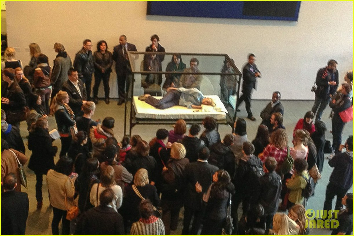 tilda swinton sleeps in glass box at the moma photos 03