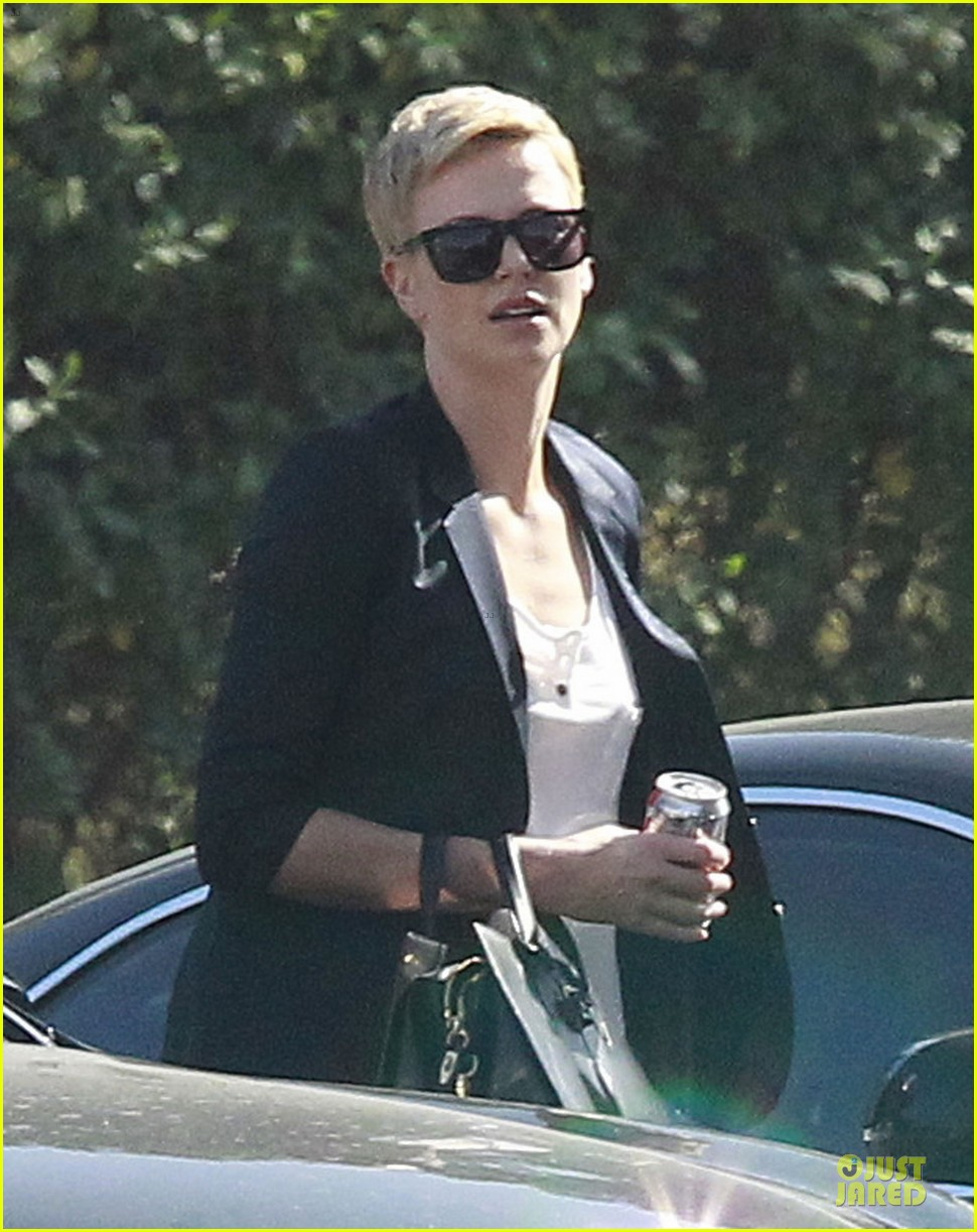 charlize theron disney studios meeting 04
